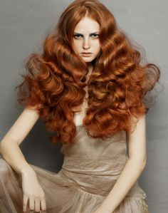 Hair, Makeup, Nails >> Red hair and waves. Beautiful Redhead, Gorgeous Hair, Amazing Hair, Editorial Hair, Ginger Hair, Great Hair, Big Hair, Full Hair, Hair Day