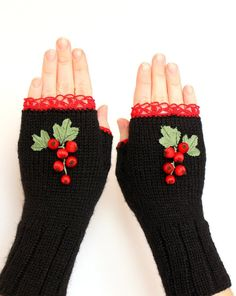 Ribbon Embroidery Ideas Hand Knitted Fingerless Gloves, Gift Ideas, For Her, Winter Accessories, Gloves Wool Embroidery, Silk Ribbon Embroidery, Hand Embroidery Patterns, Types Of Embroidery, Fingerless Gloves Knitted, Crochet Gloves, Knit Mittens, Uses Of Silk, Lazy Daisy Stitch
