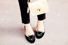 Kitty cat flats to cheer up any bad day! #flats #black