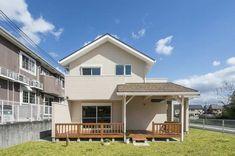「カリフォルニアスタイル 西海岸の風を感じる家」 Space Lab, My House, House Plans, Shed, California, Outdoor Structures, Cabin, Mansions, House Styles