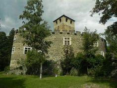 Castello di Introd, Introd, Aosta, Italia. 45°41′23.88″N 7°11′15.44″E