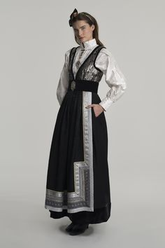 Couture Fashion, Fashion Show, Fashion Outfits, Norwegian Clothing, Character Outfits, Historical Clothing, Costume Design, Traditional Outfits, American Apparel