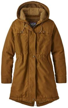 The Patagonia Women's Insulated Prairie Dawn Parka is a workwear-inspired ranch coat made with organic cotton canvas and recycled fleece. Raincoats For Women, Jackets For Women, Women's Jackets, Winter Coats Women, Winter Jackets, Rain Jacket Women, Women Pants, Winter Parka, Womens Parka
