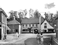 Photo of Farnham, The Jolly Farmer 1930 from Francis Frith Farnham Surrey, Old Pictures, Farmer, History, House Styles, Photos, Antique Photos, Historia, Pictures