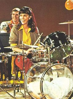 Karen Carpenter played drums  when few women publicly sat at a drumkit on stage. 50 years later, still very few women are drummers. A MOST POPULAR RE-PIN. RESEARCH #DdO:) - http://www.pinterest.com/DianaDeeOsborne/drums-drumming-joy/ - LUDWIG clear drumset: Big  pillow in Kick drum! Her High School band conductor made her play glockenspiel - instrument she disliked. She switched to drums, began CARPENTERS recordings w brother in 1965. Claxton Wilson's AUDIO SELECTS Pinterest Board HAS…