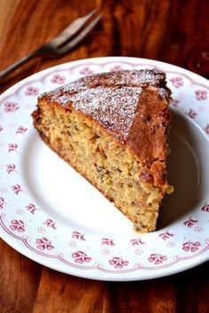 Mince Pie Cake - infused with a decadent amount of homemade mincemeat, this recipe for Mince Pie Cake is the ultimate in Christmas indulgence. A beautiful cake to eat at any-time❣️ Mince Pies, Mince Meat, Baking Recipes, Cake Recipes, Dessert Recipes, Christmas Recipes, Christmas Cakes, Christmas Treats, Xmas Cakes