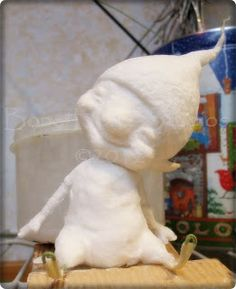 park it anywhere. Spun cotton Christmas elf More later SEE YA! Paper Mache Clay, Paper Mache Crafts, Paper Mache Sculpture, Paper Clay Art, Wet Felting, Needle Felting, Cotton Crafts, Felting Tutorials, Paperclay