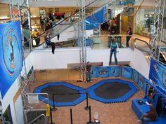 Fantasyland Hotel and West Edmonton Mall: Bungee Jumping in West Edmonton Mall