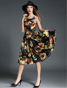 1950s Fashion Vintage Style Confidently Beautiful Floral Print Swing Dress