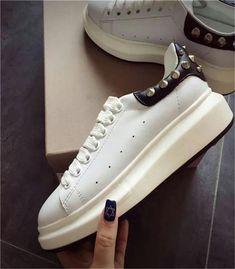 afcd156a437 2018 Luxury Designer Men Casual Sneakers.