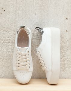 Lace-up platform sneakers - bers.hk/1140/131