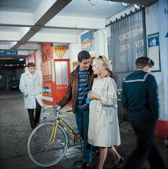 LVMHが『シェルブールの雨傘』のデジタル修復に協賛、60年代ファッションのドヌーヴの美しさも永遠に 3枚目の写真・画像