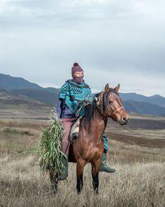 Thom Pierce - The Horsemen of Semonkong - Fusi Lekhotla - Ha Mateketa, Lesotho Photo D Art, African Inspired Fashion, Documentary Photographers, Photo Essay, Cute Funny Animals, Portrait Photography, Photos, Photographs, Creatures