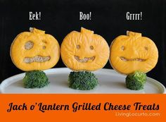 HALLOWEEN JACK O'LANTERN GRILLED CHEESE   It's the perfect season to make fun food for kids. Try making some Jack o' Lantern grilled cheese sandwiches for an easy treat!  http://www.livinglocurto.com/2012/10/halloween-fun-food/