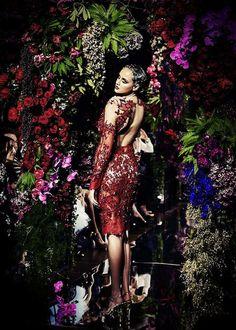 EatFashionNotCake: Jaime Lee Sparkles #runway #pff #perthfashionfestival #jaimelee #efnc #2013 #sparkles #couture #fashion #style #show #couture #designer #perth #beautiful #flowerarch #eatfashionnotcake #dress #gowns #ragdollphotography #shirincarter #photography #fashionphotography #runwayready