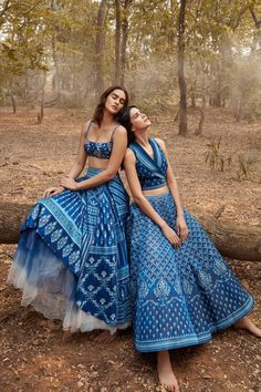 Indian Gowns Dresses, Indian Fashion Dresses, Indian Designer Outfits, Stylish Dress Designs, Stylish Dresses, Party Wear Dresses, Bridal Dresses, Indian Bridal Outfits, Dress Indian Style