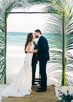 Style Meets Sand for this Destination Wedding in Tulum Fotografie: Sean Cook Hochzeitsfotografie - s Wedding Tips, Wedding Ceremony, Wedding Photos, Wedding Planning, Dream Wedding, Palm Wedding, Wedding Canopy, Wedding Arches, Quirky Wedding