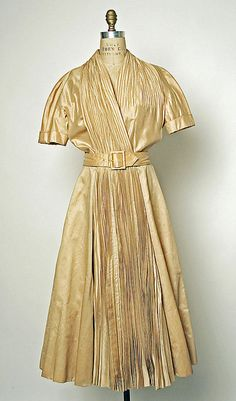 Pretty vintage dress!  Jacques Fath, 1951. Women's vintage fashion clothing