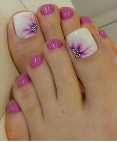 Ideas French Manicure Toes Toenails Fun For 2019 Toenail Art Designs, Pedicure Nail Designs, Manicure E Pedicure, Pedicure Ideas, Summer Toenail Designs, French Pedicure, Toe Designs, Flower Designs, Pretty Toe Nails