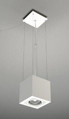 Biała lampa wisząca w kształcie kostki podkreśli charakter każdego minimalistycznego wnętrza. #mlamp #oświetlenie #lampa #minimalistyczna #wisząca #lampy #wyposażenie #wnętrz