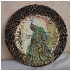 Decoupage - Website for fans of decoupage - DCPG. Decoupage Plates, Decoupage Tissue Paper, Wooden Plates, Decorative Plates, Handmade Home Decor, Diy Home Decor, Diy And Crafts, Arts And Crafts, Different Kinds Of Art