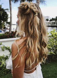 Single dutch braid Summer casual hairstyle braid braids braided casual highlights blonde pretty is part of Hair styles - Casual Hairstyles, Messy Hairstyles, Pretty Hairstyles, Hairstyle Braid, Teenage Hairstyles, Fashion Hairstyles, Wedding Hairstyles, Hair Inspo, Hair Inspiration
