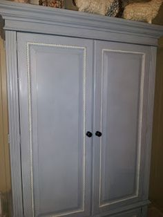 Lady Butterbug: ~ Chalk Paint® Armoire Makeover~I have a similar armoire that I am considering painting Arles with Old White accents.