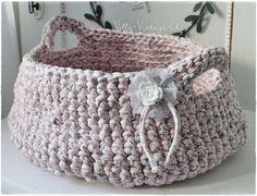 großer Häkelkorb Textilgarn von Villa-Vintage-Chic auf DaWanda.com