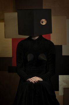 """El Hurgador [Arte en la Red]: Romina Ressia [Fotografía] Serie Cubismo Renacentista, """"Caja negra"""" / Renaissance Cubism Series, """"Black Box"""""""