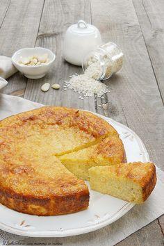 La TORTA DI RISO o TORTA DEGLI ADDOBBI è un dolce tradizionale bolognese di origini antichissime. E' una torta semplice e delicata, SENZA LIEVITO E SENZA BURRO #torta #riso #bolognese #bologna #addobbi #tradizione #ricette #recipes #foodies #gialloblogs #giallozafferano