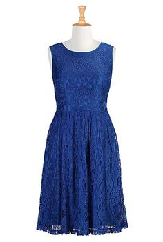 Florence dress... I love this one! Can customize the neckline, sleeves, and length!!! I think I want it!!!