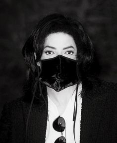 His eyes. oh my God so pure! Michael Jackson - Divinity with Mask ღ Michael Jackson Youtube, Michael Jackson Wallpaper, King Of Music, Beautiful Person, Superfly, Perfect Man, My Idol, Pure Products, Apple Head