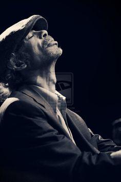 Gil Scott-Heron Gil Scott Heron, Revolutionaries, Jazz, Buddha, Futuristic Architecture, Statue, Music, History, Musica