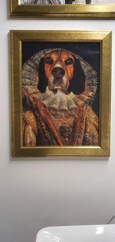 """""""Wir alle lieben das Bild! Vielen Dank für dieses coole Geschenk! :-)"""" - Manuela N.  Kannst du dir deinen Hund in dieser Uniform vorstellen? Wir erstellen dein individuelles Gemälde von deinem Haustier nach Fotovorlage.  Dein Hundeportrait wird individuell nach Fotovorlage von deinem Haustier erstellt und dann versichert zu dir nach Hause geschickt."""