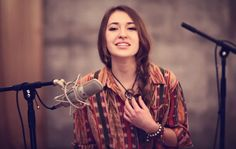 There are some songs that leave a lasting impression and this is one of them. Lauren Daigle performs the highly-acclaimed Christian hymn, 'In Christ Alone' by Stuart Townsend. What an awesome sound! Christian Music Artists, Christian Artist, Christian Singers, Christian Love, Christian Videos, Music Love, Music Is Life, My Music, Laura Daigle