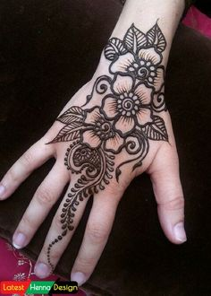 Latest Henna Designs: Simple full covering back side, with most demanded Diagonal Mehndi Design.