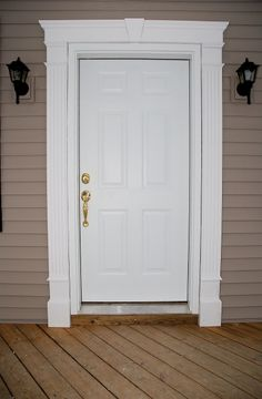 Front door frame molding window trims 22 ideas for 2019 Exterior Door Trim, Garage Door Trim, Garage Door Design, Garage Doors, Cafe Exterior, Exterior Windows, Bungalow Exterior, Exterior Signage, Stucco Exterior
