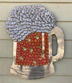 Bottle Cap Art – Beer Mug – bottle caps – Best Crafts Beer Cap Crafts, Beer Bottle Crafts, Bottle Cap Projects, Diy Bottle, Beer Cap Art, Beer Caps, Bottle Top Art, Homemade Art, Recycled Crafts