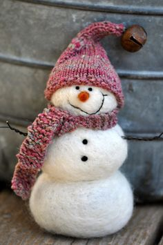 Snowman, Needle Felted Christmas Snowmen on Etsy… Felt Snowman, Frosty The Snowmen, Cute Snowman, Snowman Crafts, Christmas Projects, Felt Crafts, Holiday Crafts, Felt Christmas, Christmas Snowman