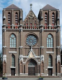 Eindhoven, Architecture, Places To Visit, Mansions, House Styles, Building, Travel, Home, Blog