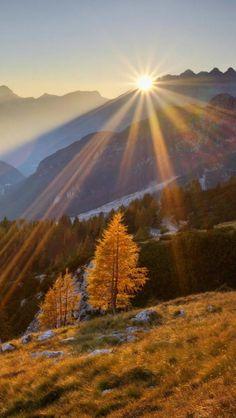 Beautiful sunshine in Slovenia - Nature images, landscape photography Beautiful World, Beautiful Places, Beautiful Pictures, Landscape Photography, Nature Photography, Travel Photography, Dame Nature, Sea Photo, Beautiful Sunrise