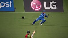 MS-Dhoni Grabs A Stunning One Hander