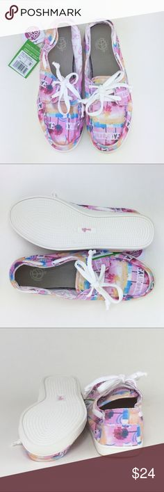 0c8173e4ebcf86 Sanuk Pair O Sail Prints Boat Shoe NWT! Sanuk Pair O Sail Prints Yoga Mat  Laced Slip-On Sidewalk Surfer Boat Shoe. Women s US 8. MSRP 50.