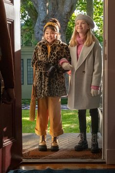 Tv Show Outfits, Club Outfits, Bar Outfits, Vegas Outfits, Les Baby-sitters, Estilo Blair Waldorf, The Baby Sitters Club, Bff, Cute Comfy Outfits