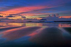 Dawn by Beach - Bruce Chen  https://500px.com/photo/104454961/dawn-by-beach-by-bruce-chen?from=popular&only=Landscapes…