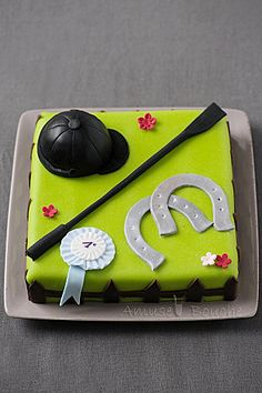 @Kirby Callaway...horse riding cake?