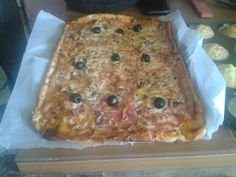 Pizza casera todo echo en horno de leña