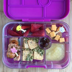 Well balanced Weekly Lunch Box Ideas for your Little Grazers Organic Pumpkin Seeds, School Lunch, Original Recipe, Cheddar, Crackers, Sausage, Lunch Box, Strawberry, Yummy Food