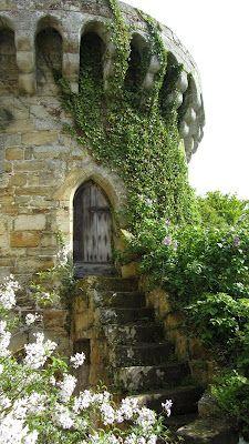 Otra imagen del viejo castillo Scotney, Kent, Reino Unido