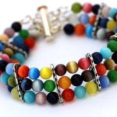 Bracelet multirangs en perles de verre oeil de chat multicolores et intercalaires rectangulaires argent vieilli